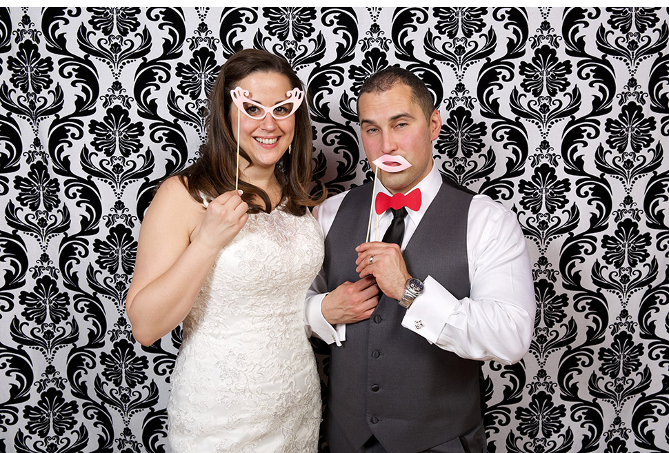 Photo Booth avec accessoires durant une réception de mariage.
