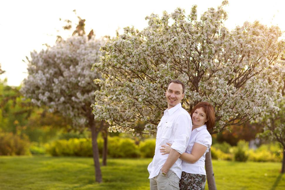 couple dans un jardin du quartier limoilou