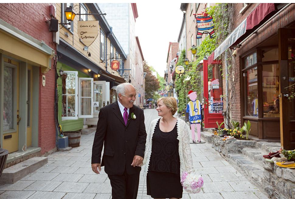 Nouveaux mariés dans le Vieux-Port de Québec.