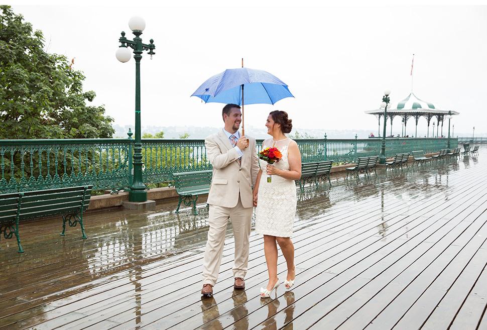 Mariage sous la pluie.