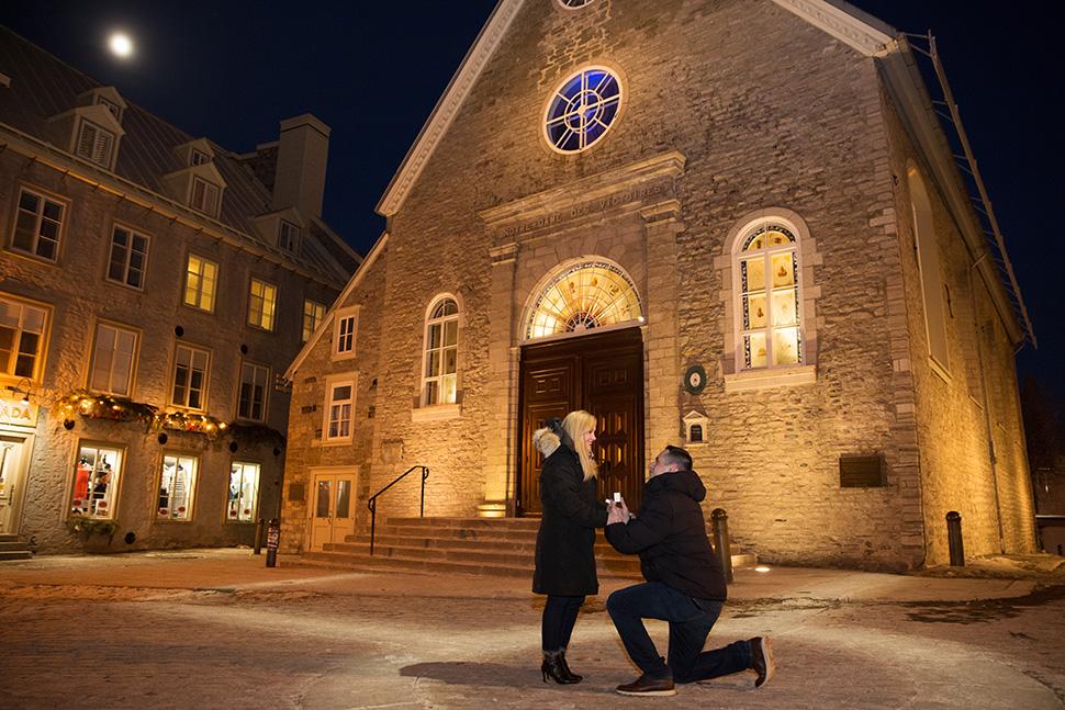 Demande en mariage à La Place Royale.
