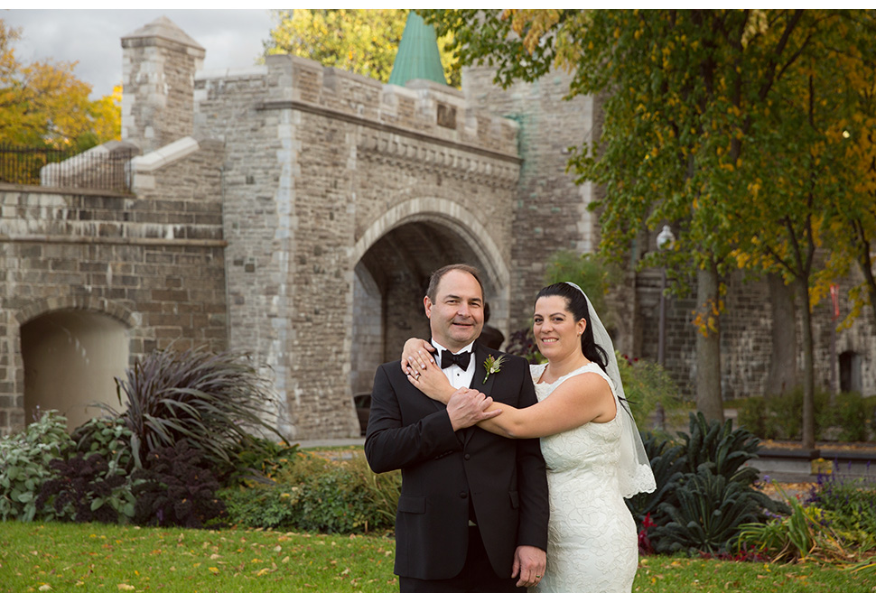Beautiful wedding during fall season in Quebec City.